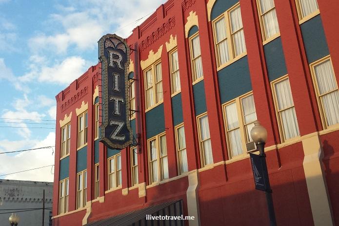 downtown, Brunswick, Georgia, red brick, architecture, charming, photos, Ritz