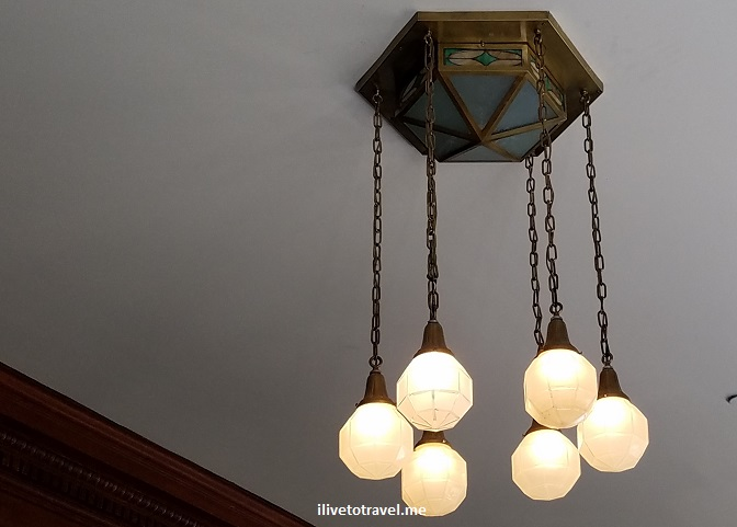 Stanley Hotel, Estes Park, Colorado, Rocky Mountain National Park, photo, tour, lamp, light fixture