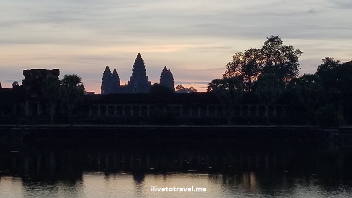 Angkor Wat, temple, Siem Reap, Cambodia, Cambodge, Camboya, travel, explore, viajes, Asia, photo, sunrise, sky, Samsung Galaxy