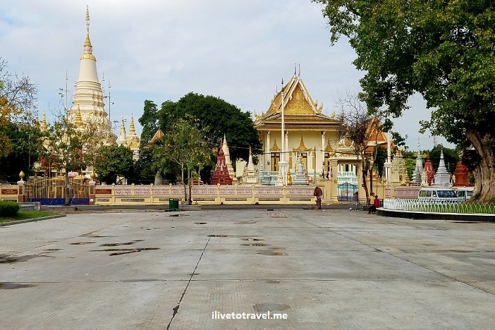 Cambodia, Phnom Penh, Royal Palace, park, photo, travel, explore, Samsung Galaxy S7, gold