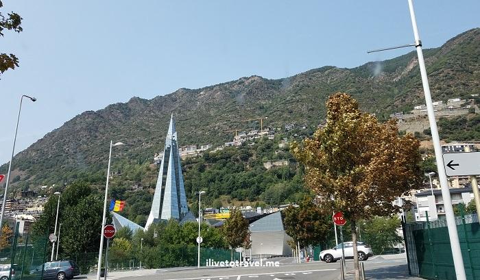 architecture, Andorra la Vella, Pyrenees, Andorra, drive, driving, Europe, travel, turismo, photo, architecture