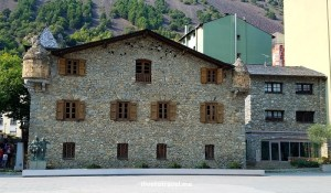 architecture, Andorra la Vella, Pyrenees, Andorra, drive, driving, Europe, travel, turismo, photo, Casa de la Vall