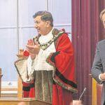 Robert Lindsay receives Freedom honour
