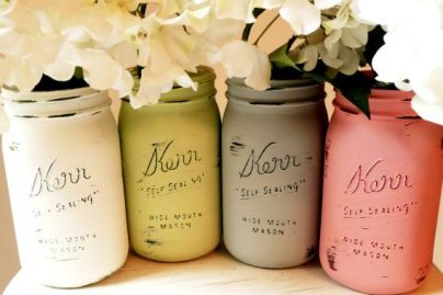 Painted-and-Distressed-Mason-Jar-Vases