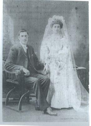 Mavis' parents, Hamilton and Sarah Charlton, 1904.