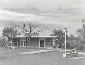 P04387 - Kilpatrick Childrens Library, Corrimal, 1963