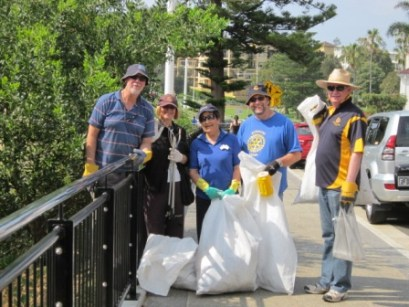 2011 Clean Up Day with Illawarra Sunrise Rotary Club - Cliff Road