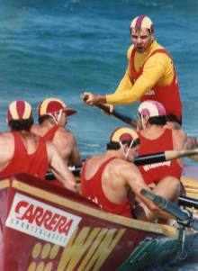 P27207 - Bulli surf boat crew, 1991