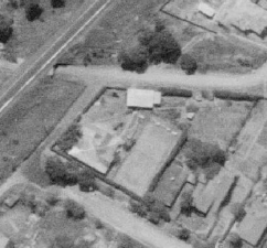 The Woodhill house, cabin, and tennis court - Austinmer Street (1938)