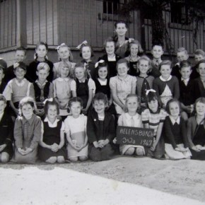 1947 - Rona (teacher) with 2nd class students