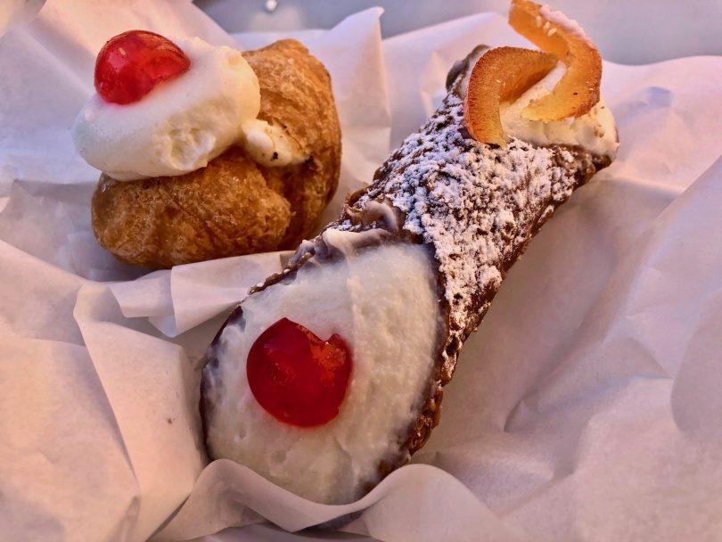 Cosa mangiare a Palermo: cannolo siciliano