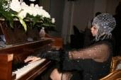 piano-nob