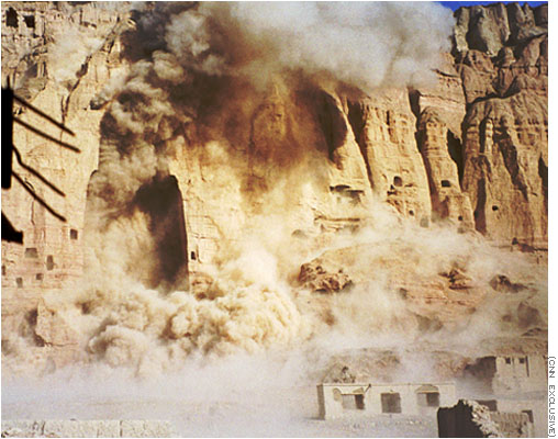 CNN image of the destruction of the Buddha at Bamiyan in 2001