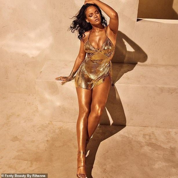 Rihanna Glows As She Flaunts Her Cl£avage In Tiny Gold Dress