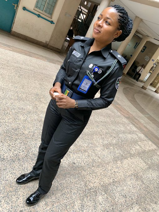 PHOTOS: Is this the most Beautiful Nigerian Female Police Officer ?