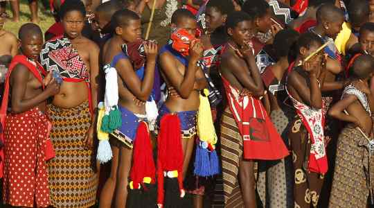 Umhlanga Reed Dance – A Festival In Swaziland Where Virgins Dance With Uncovered Breasts!