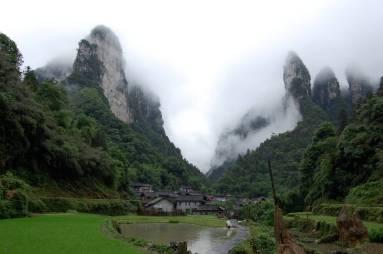 Photo courtesy of www.punbit.com/i/amazing-village/village-zhangjiajie-national-for/