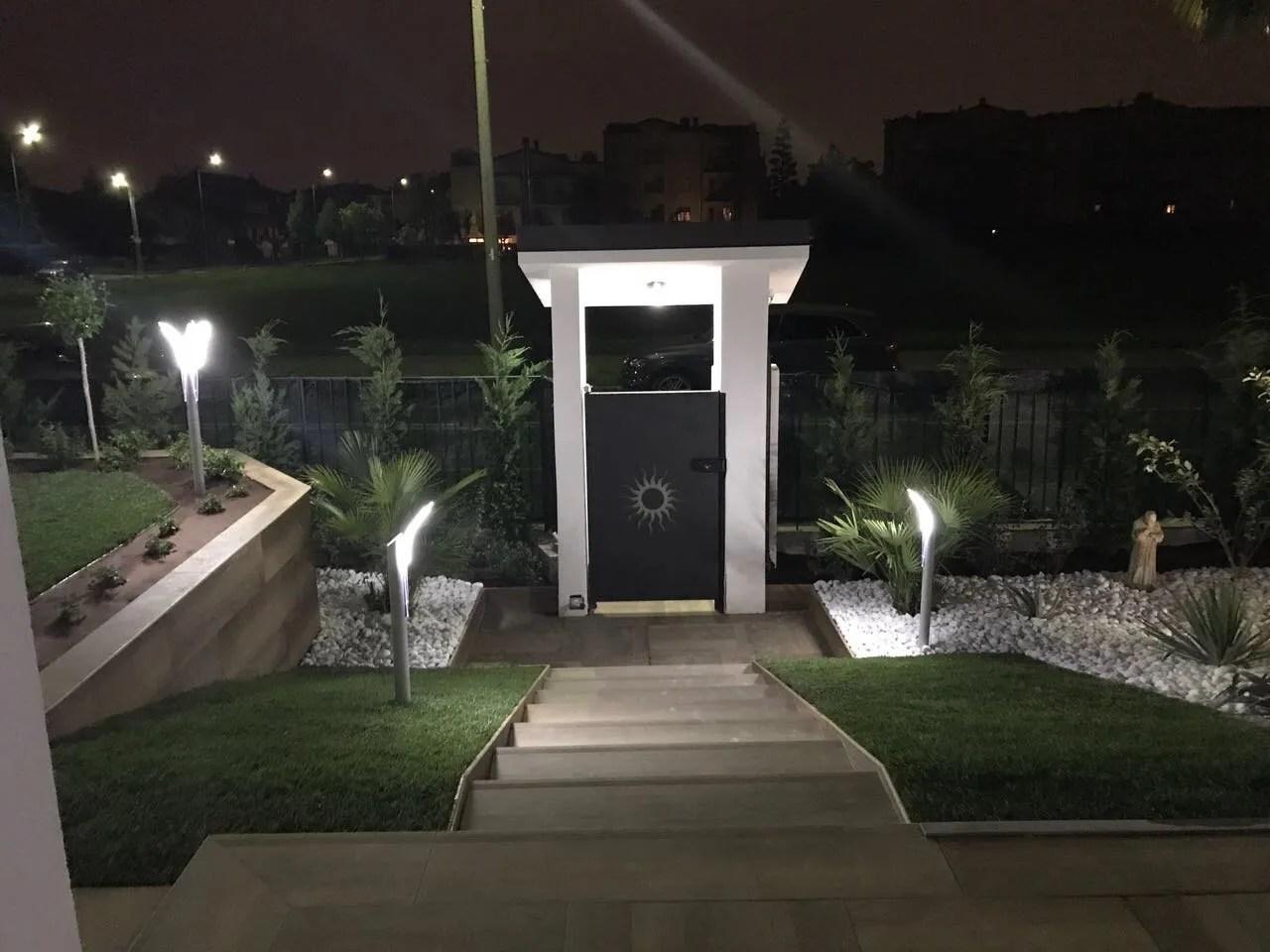 Illuminazione Ingresso Casa : Illuminazione x esterno : ingresso esterno di casa di69