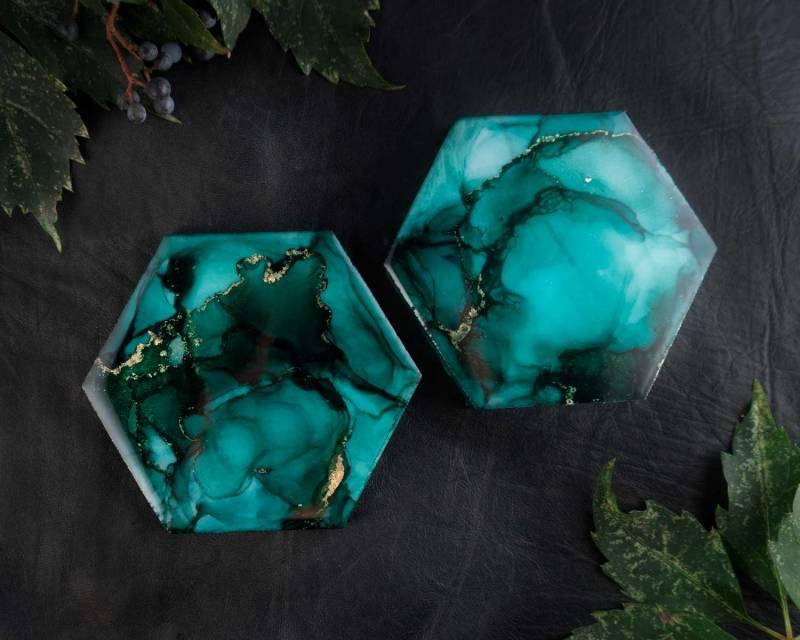 Illyra Collection Elysium Carrara Marble Coasters in Emerald Green