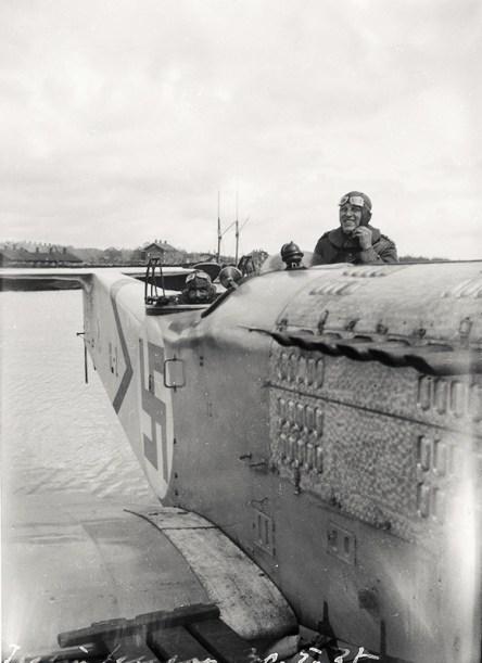 I.V.L. A.22 Hansa IL-2 Taalintehtaalla Dragsfjärdissä 30.5.1927. Ohjaajana Halme. Kuva: SIM