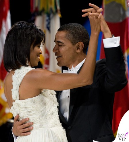 US President Barack Obama and First Lady Michelle Obama dance during the Midwestern Regional Inaugural Ball at the Washington Convention Center in Washington, DC, January 20, 2009. Obama was sworn in as the 44th US president earlier in the day. AFP PHOTO / Saul LOEB / AFP PHOTO / SAUL LOEB