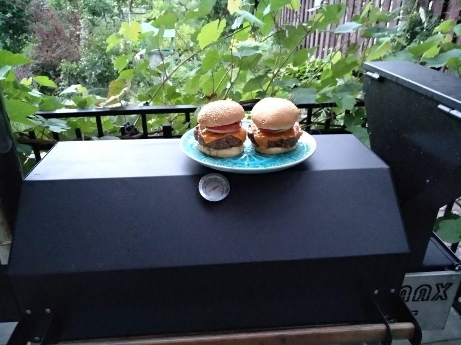 Чизбургеры с ilmax-25
