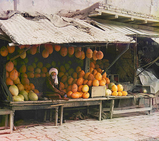 14 Fruit seller