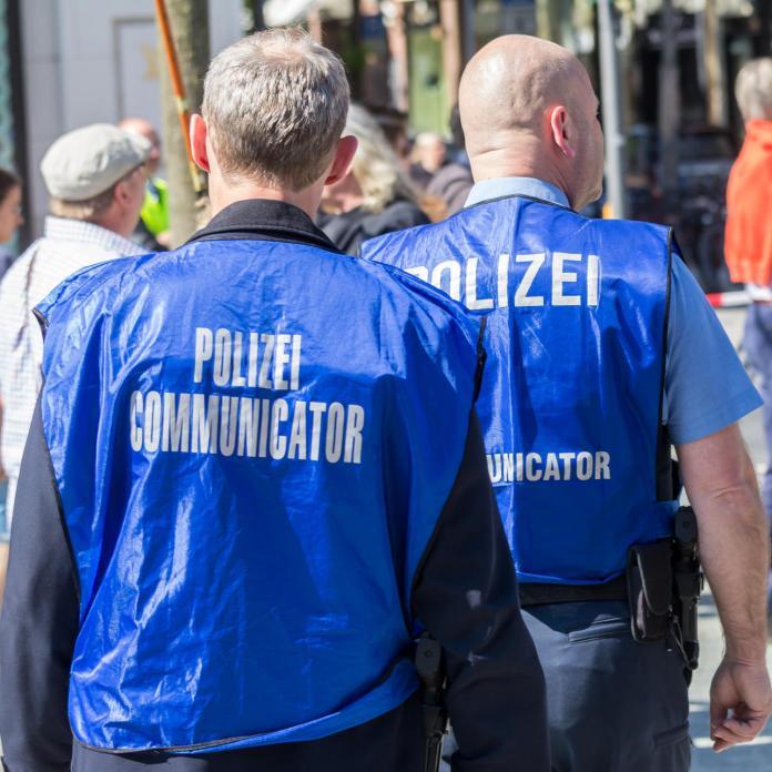 estremismo di destra fra le forze di polizia