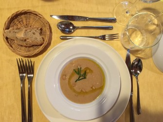Zolfini bean soup with Casamora oil