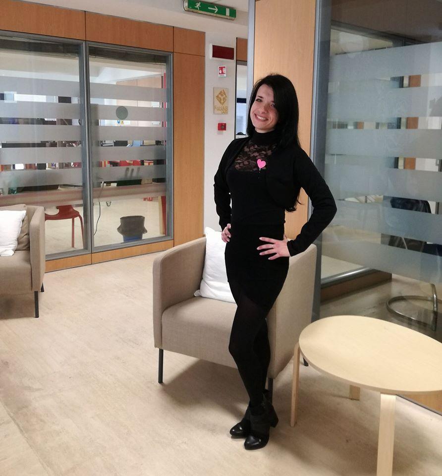 bruna athena travel blogging social girls