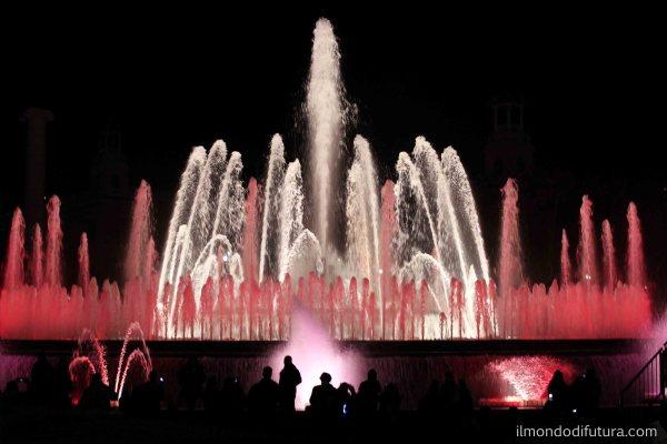 fontana spettacolo notturno barcellona