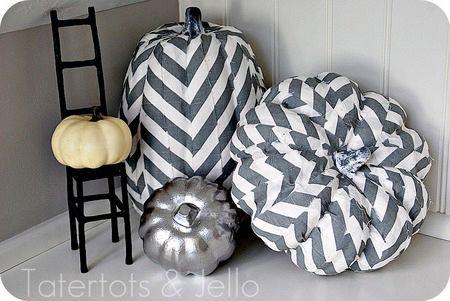 zucche-geometriche-in-bianco-e-grigio