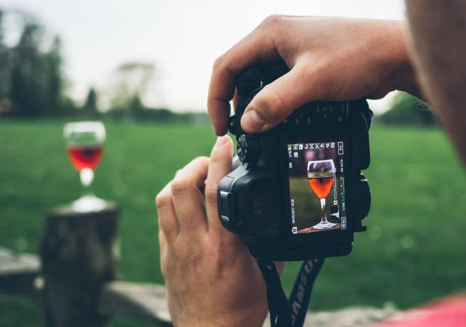 il lato social del vino_foto bicchiere