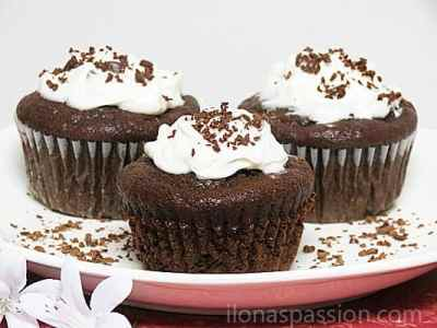 Moist-Chocolate-Banana-Muffins