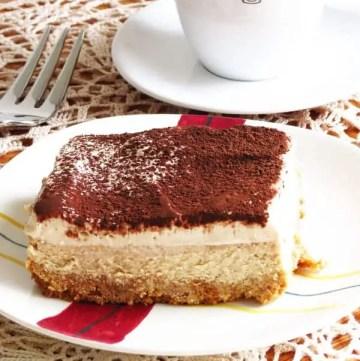 The BEST Tiramisu Cheesecake by ilonaspassion.com