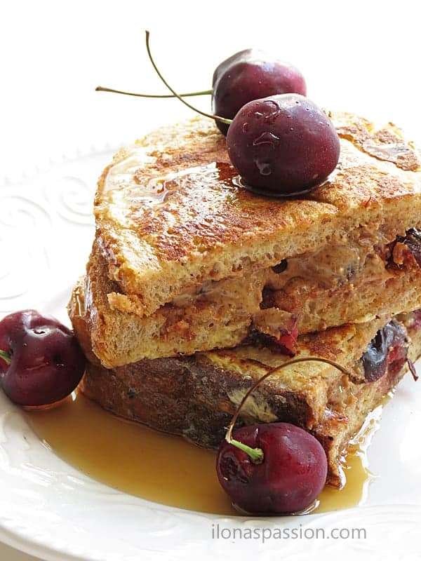 Cherry Almond Butter French Toast by ilonaspassion.com #frenchtoast #almondbutter #cherry #breakfast #recipes #stuffedfrenchtoast