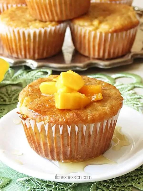 banana-quinoa-mango-muffins