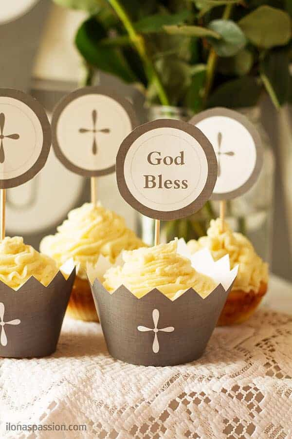Communion Party Decoration Ideas Part - 20: First Communion Party Ideas including favors, recipes for white chocolate  cupcakes, mini pavlovas,