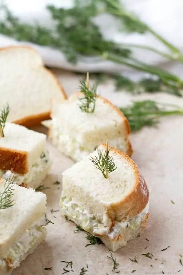 Mini cucumber sandwiches with cream cheese recipe by ilonaspassion.com I @ilonaspassion.com