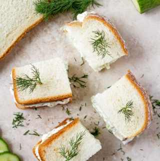 Vegetarian sandwich appetizer for parties made in 20 minutes by ilonaspassion.com I @ilonaspassion.com