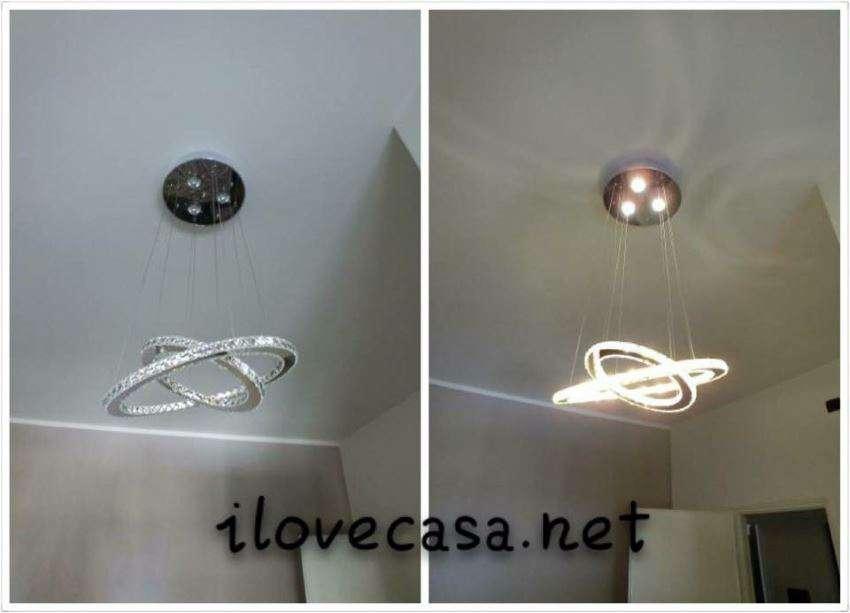 Lampadario moderno camera da letto matrimoniale con cerchi LED