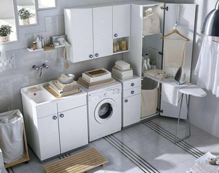 Come arredare bagno lavanderia piccolo mobile lavandino mensole