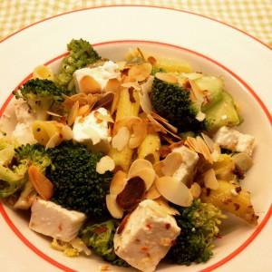 I Love Detox recept glutenvrije pasta met broccoli en amandelen. Tikje Griekse, voedzaam en erg lekker!