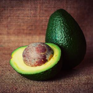 Gezonde paaslunch zonder suiker: probeer detox recept gevulde avocado met tonijn en appel