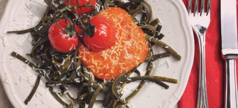 I sea pasta Tagliatelle, een nieuwe gezonde trend! I Love Detox recept: Zeewierpasta met eigengemaakte tomatensaus. Glutenvrij, veganistisch en vegetarisch!