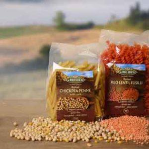Recept voor Glutenvrije rode linzen pasta met 3 soorten geitenkaas saus en spinazie. Vegetarisch detox recept.