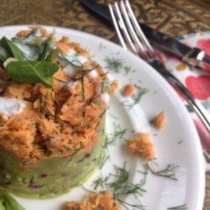 Detox recept voor avond maaltijd, detox kerst voorgerecht of gezonde lunch: Gerookte wilde zalmtartaar met avocado
