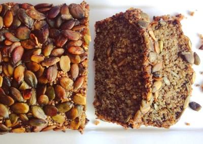 recept voor eigen gemaakt Glutenvrij brood met quinoa, chia zaad en pompoenpitten. Passend in een detox kuur thuis.
