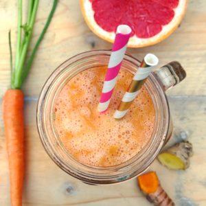 Detox Smoothie met Grapefruit Kurkuma en Wortel. Perfect voor het koude winterweer bij verkoudheid