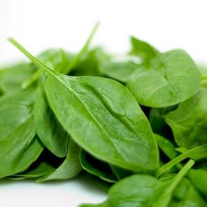 Groene detox recept: soep met prei, courgette, zoete aardappel, kurkuma en kokosmelk. Snel klaar en een echte verwennerij! Lekker zoet, vol vezels en vullend.
